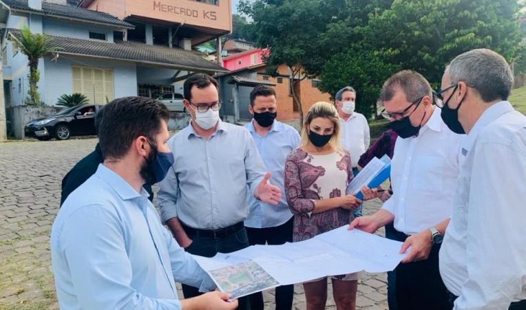 Bento: assinada ordem de início para construção da quadra poliesportiva no bairro Zatt
