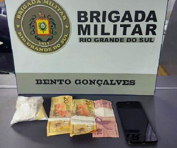 Homem é preso por tráfico de drogas no Tancredo Neves em Bento