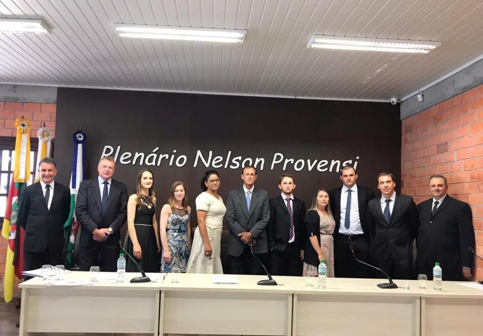 Empossados prefeito, vice e vereadores eleitos em Pinto Bandeira