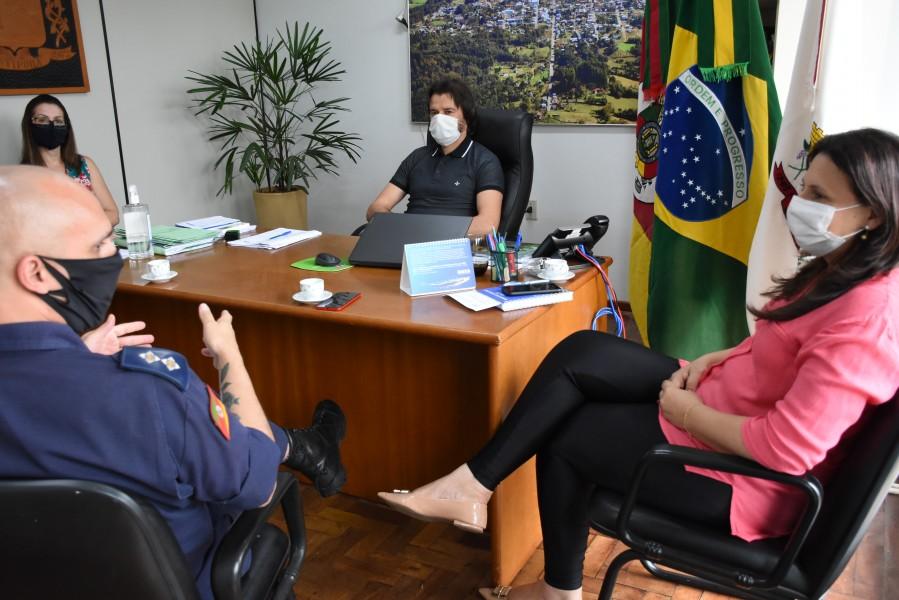 Prefeito de Cotiporã recebe representantes das áreas de Saúde e Segurança Pública