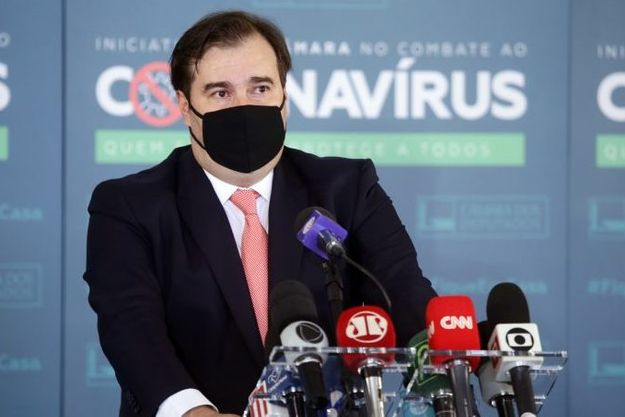 Maia defende CPI para investigar possíveis crimes de Pazuello na gestão da pandemia