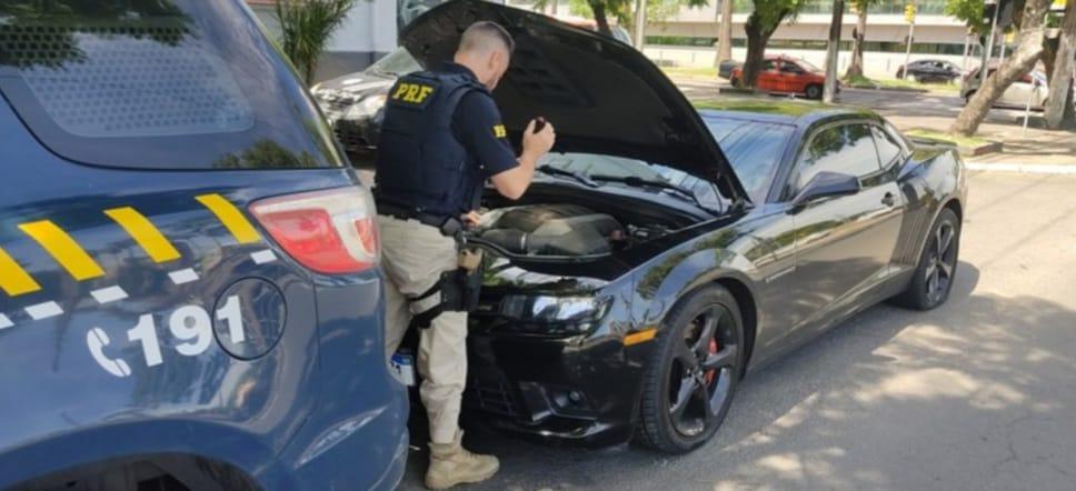Condutor de um Camaro é preso pela PRF após causar acidente com morte na Freeway