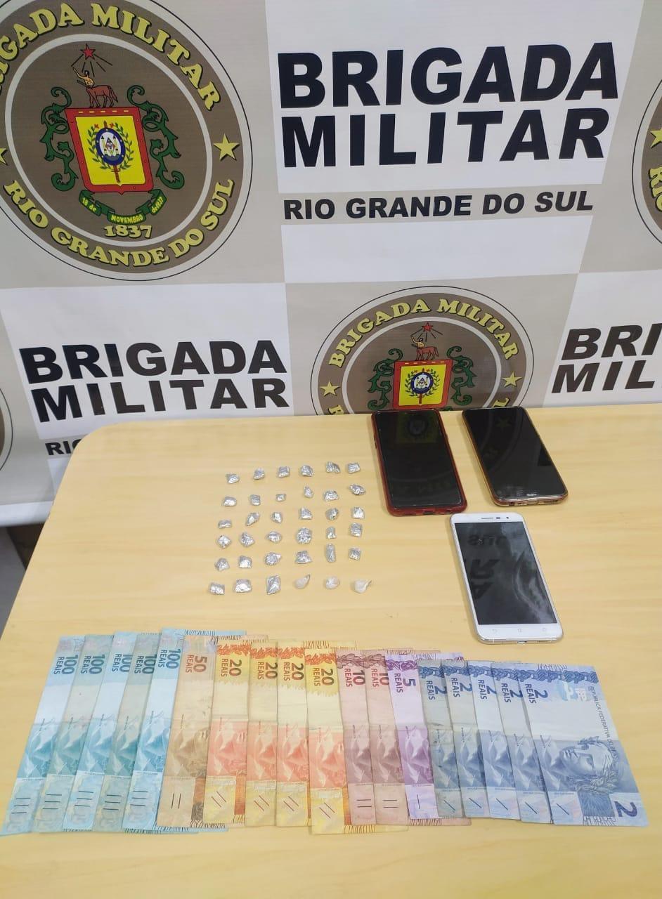 Brigada Militar prende duas mulheres por tráfico de drogas em Garibaldi