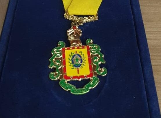 Comandante do 3º BPAT é agraciado com a Comenda da Brigada Militar