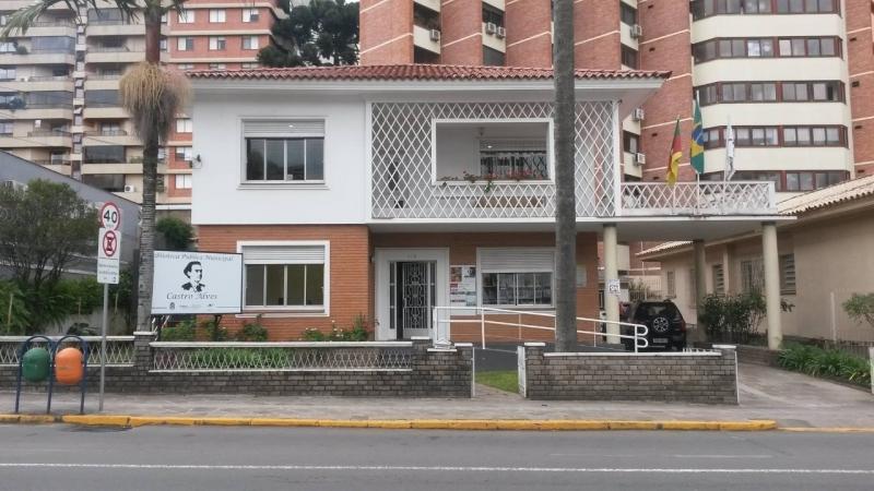 Biblioteca Pública inicia atendimento pelo whatsapp em Bento