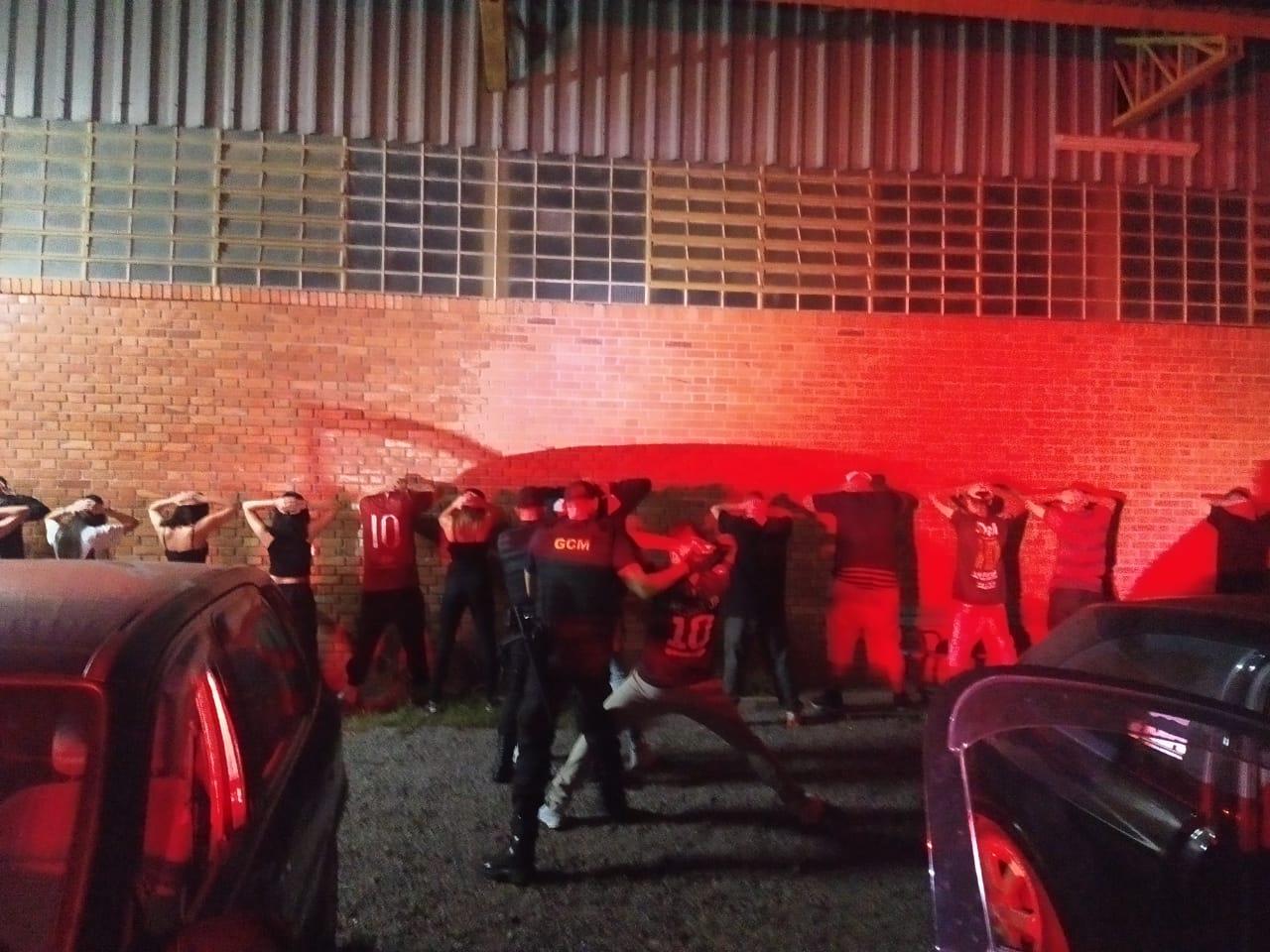 GCM dispersa aglomeração na Linha Eulália, em Bento
