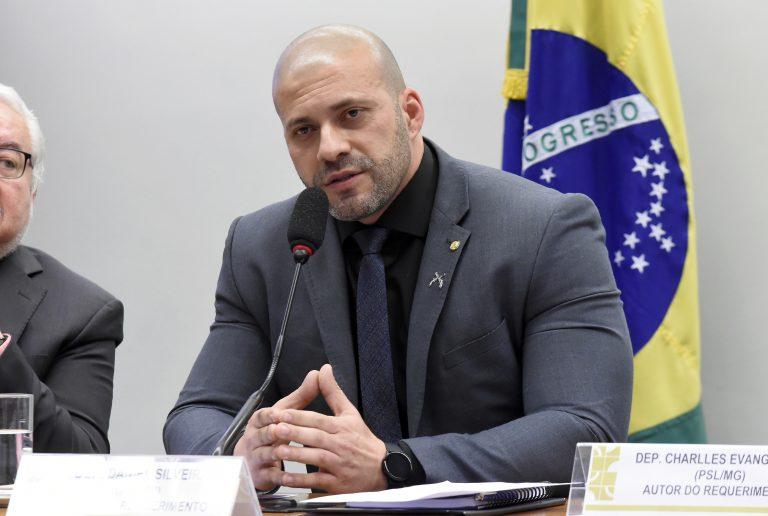Ministro Alexandre de Moraes, do Supremo, manda bloquear perfis de Daniel Silveira no Facebook e Instagram