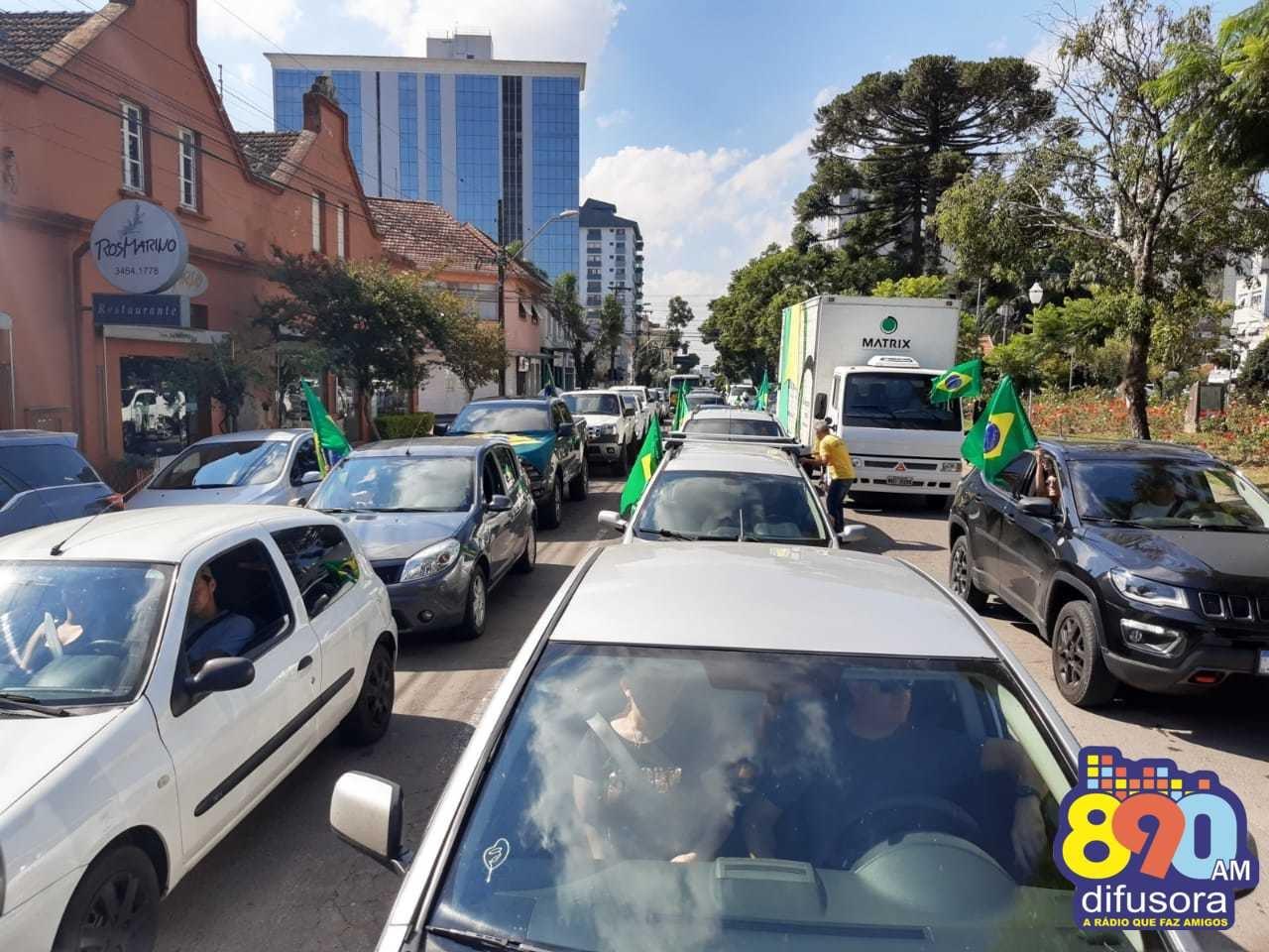 Ato em defesa de Bolsonaro e contra restrições de atividades econômicas é realizado em Bento