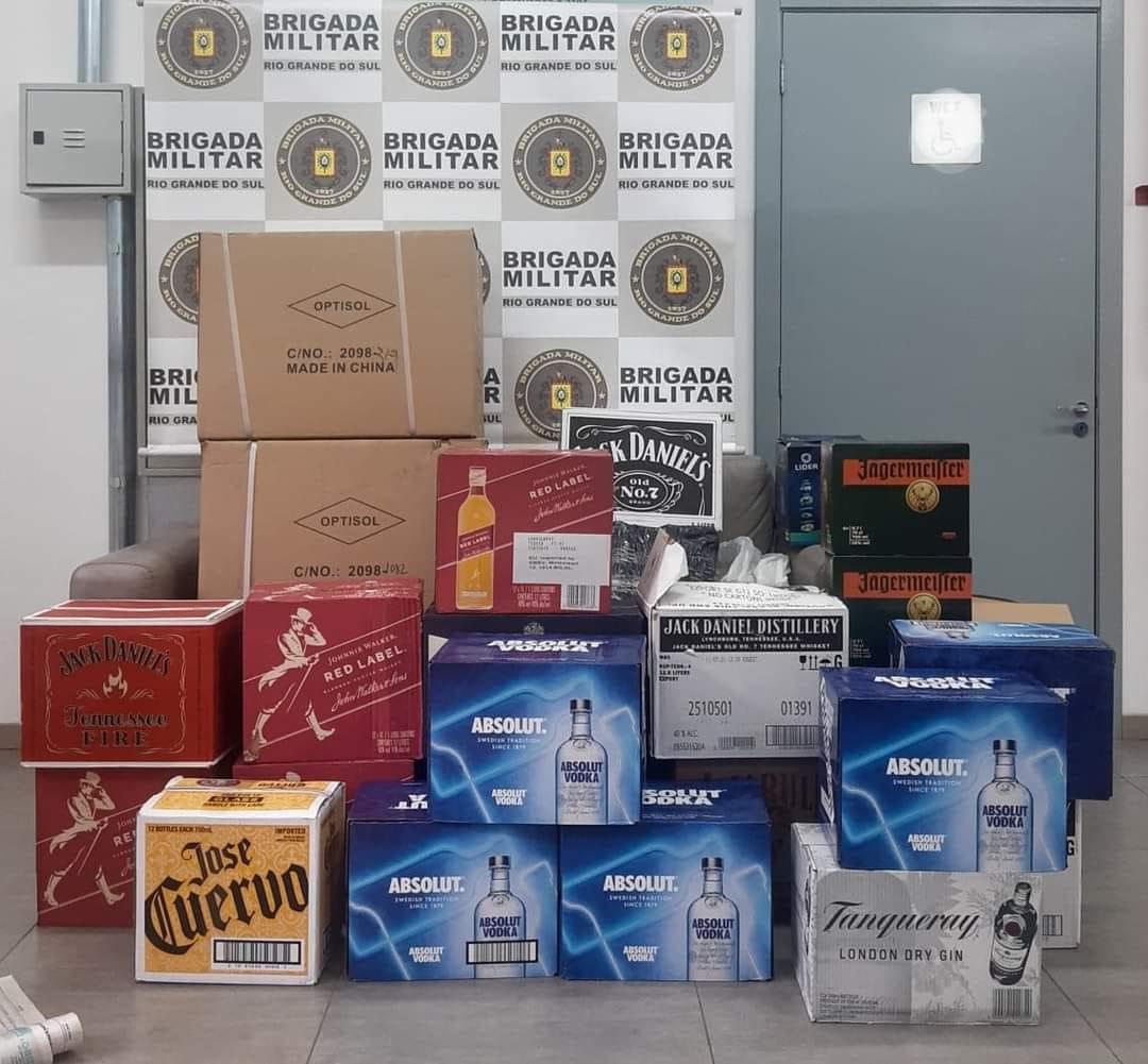 3º BRBM apreende bebidas e eletrodomésticos contrabandeados na RSC-453 em Garibaldi