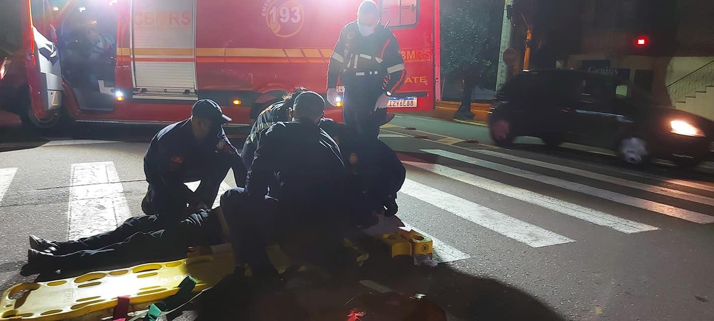 Homem fica ferido após ser atropelado na faixa de pedestre em Bento