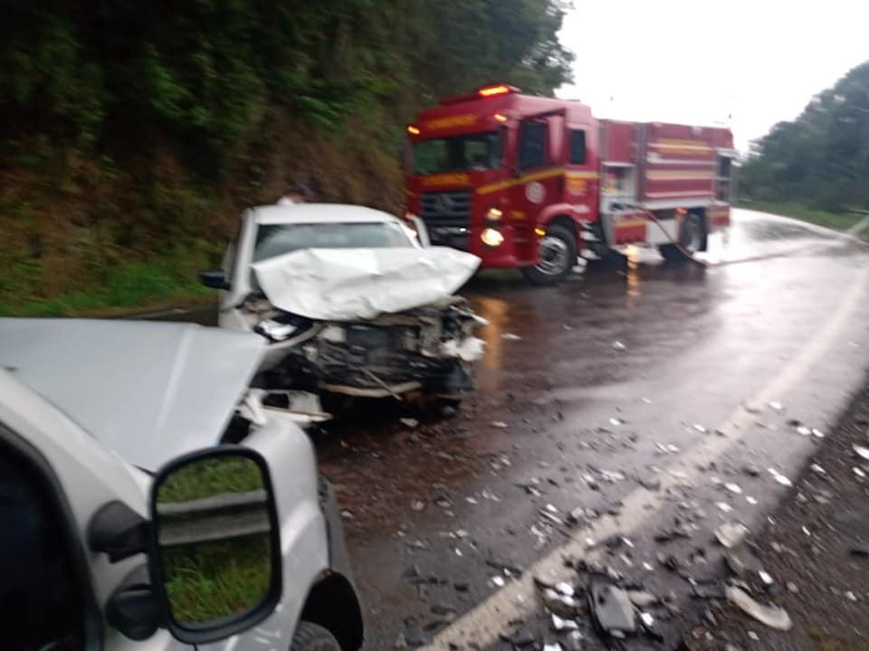 Acidente deixa dois feridos na ERS-444 em Bento
