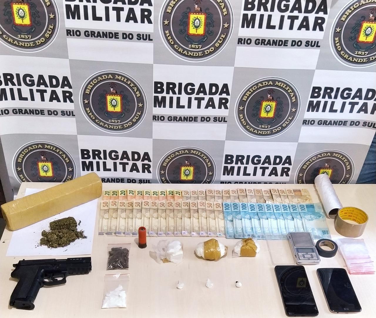 Brigada Militar prende motociclista transportando drogas em Cotiporã