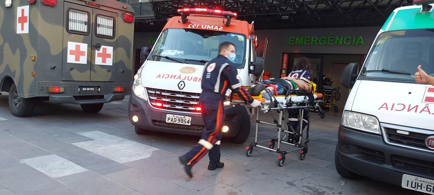Casal fica ferido após sofrer queda de moto no Progresso em Bento