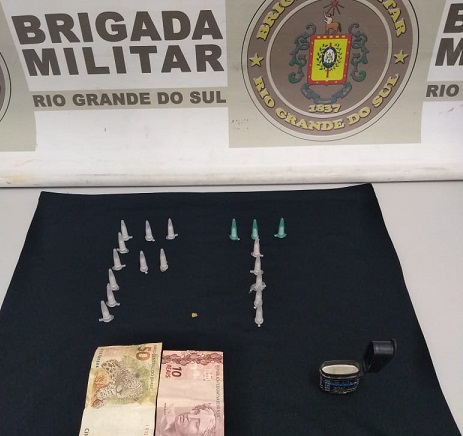 Homem é preso por tráfico de drogas no bairro União em Flores da Cunha
