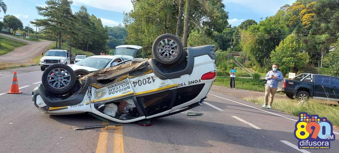 Indivíduo em fuga causa acidente com viatura da Brigada Militar entre Garibaldi e Carlos Barbosa