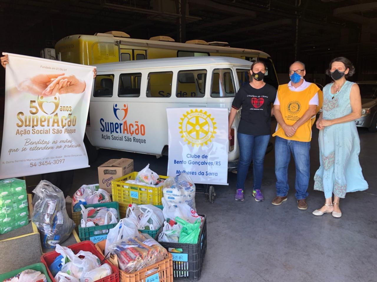 Rotary segue com campanha de arrecadação de alimentos e agasalhos em Bento