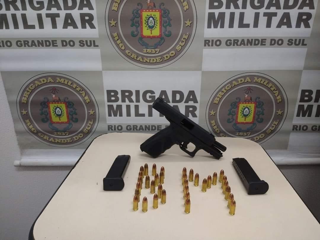 Brigada Militar prende homem por porte ilegal de arma de fogo em Farroupilha