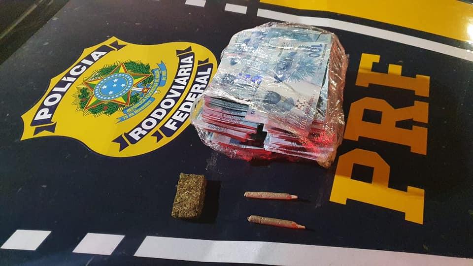 Moradores de Bento e Caxias são presos pela PRF com notas falsas em Paverama