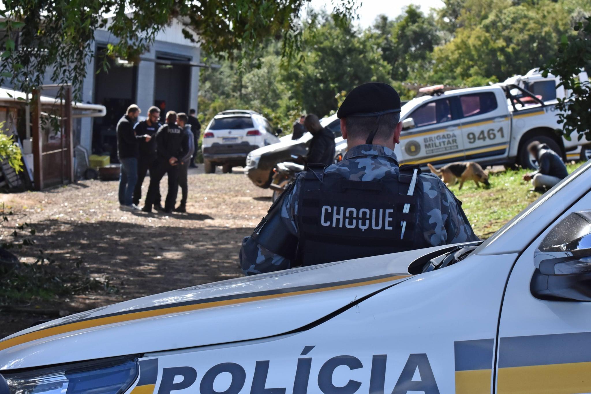 Operação apreende o equivalente a mais de R$ 4 milhões entre drogas e dinheiro na Serra Gaúcha e em SC