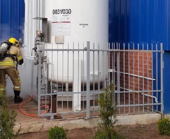 Bombeiros atendem ocorrência de vazamento de produto químico em empresa de Veranópolis
