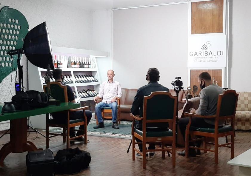 Em vídeos para web, Cooperativa Vinícola Garibaldi exibe essência de seus 90 anos
