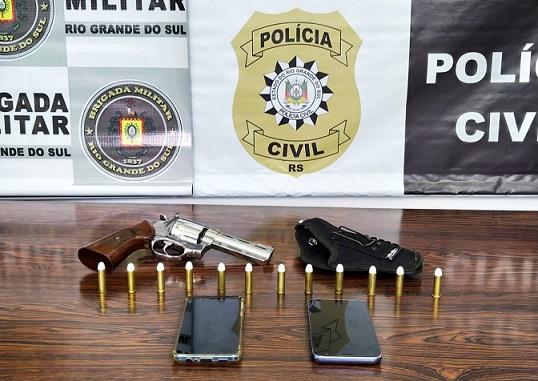 Casal é preso por tráfico de drogas, estelionato e posse de arma em Paraí