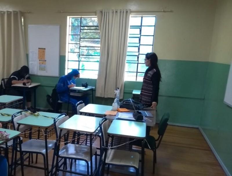 Estudantes dos primeiros anos do Ensino Médio da Rede Estadual retornam às aulas presenciais