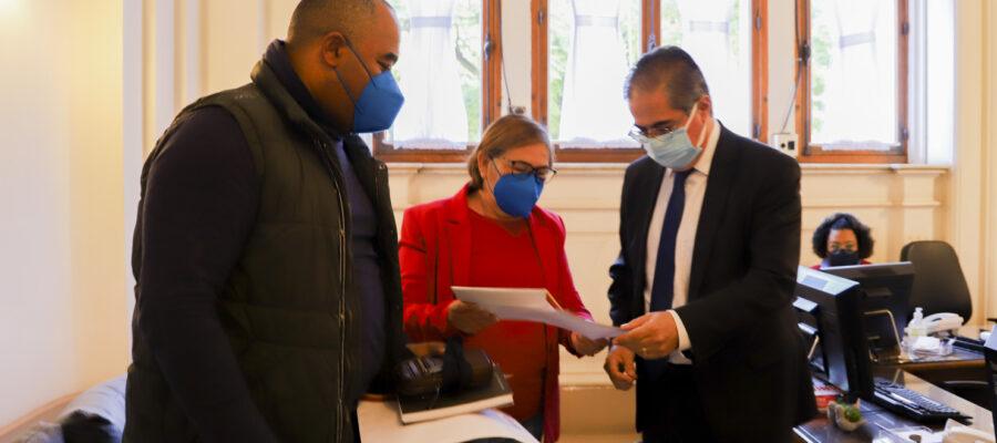 CPERS cobra do Estado imunização dos trabalhadores em educação