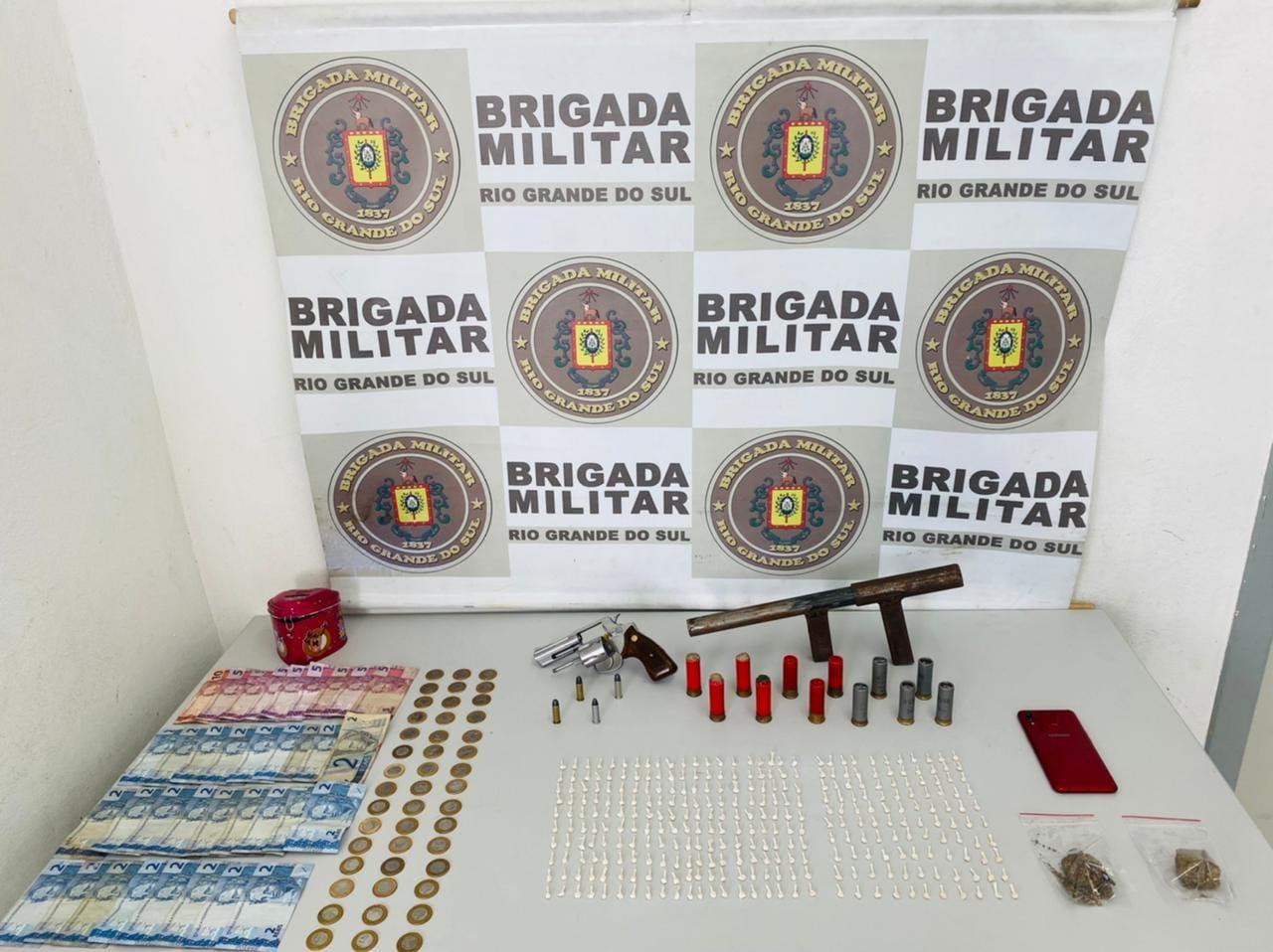 Homem é preso pela BM armado na área central de Caxias do Sul