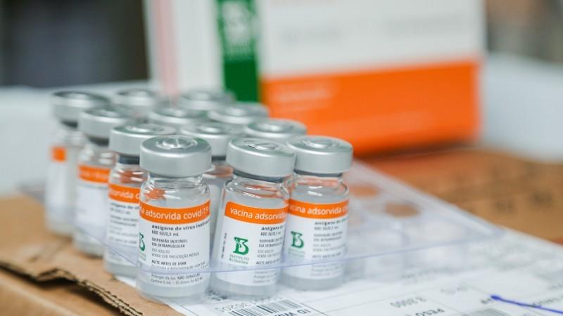 Estado recebe nesta quinta doses da Coronavac e AstraZeneca