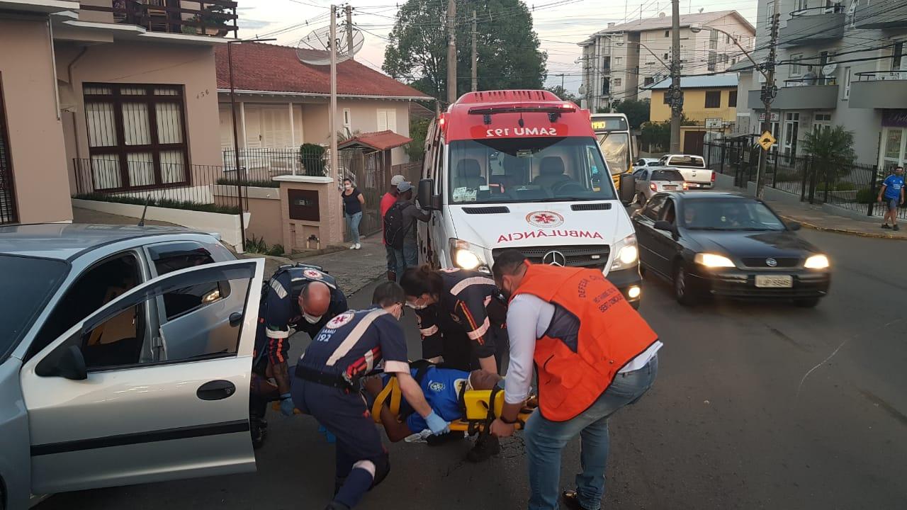 Homem fica ferido em acidente no Universitário, em Bento