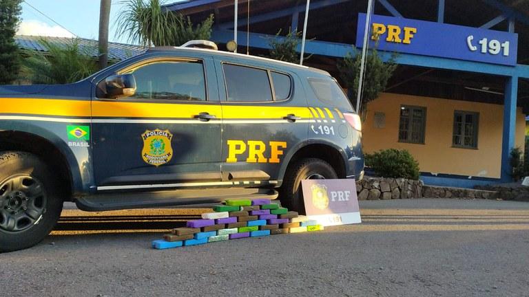 Tráfico internacional de drogas: PRF prende casal com 32 quilos de crack em Bento