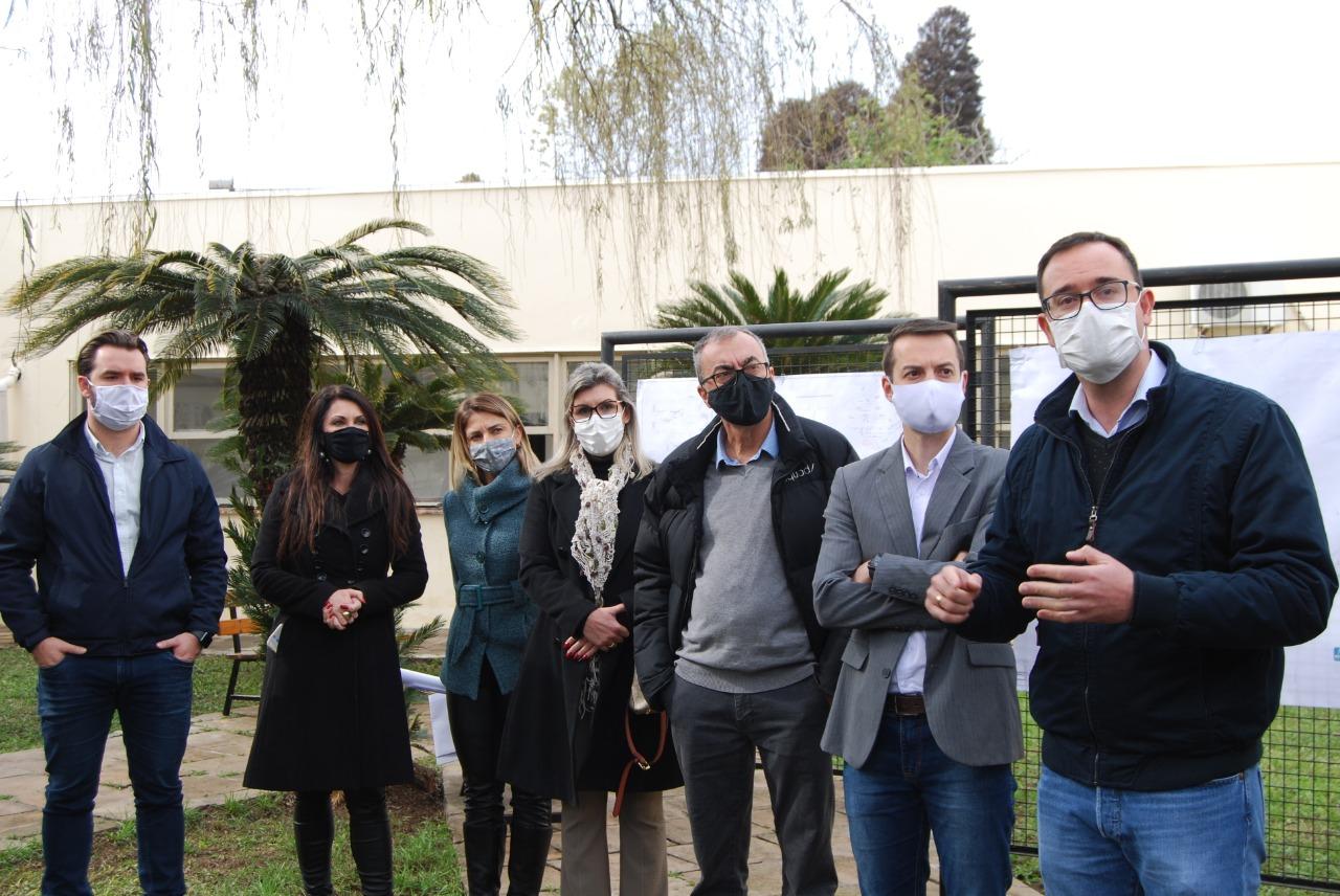 Prefeitura de Bento realiza visita técnica e apresenta andamento das obras no Complexo Hospitalar de Saúde