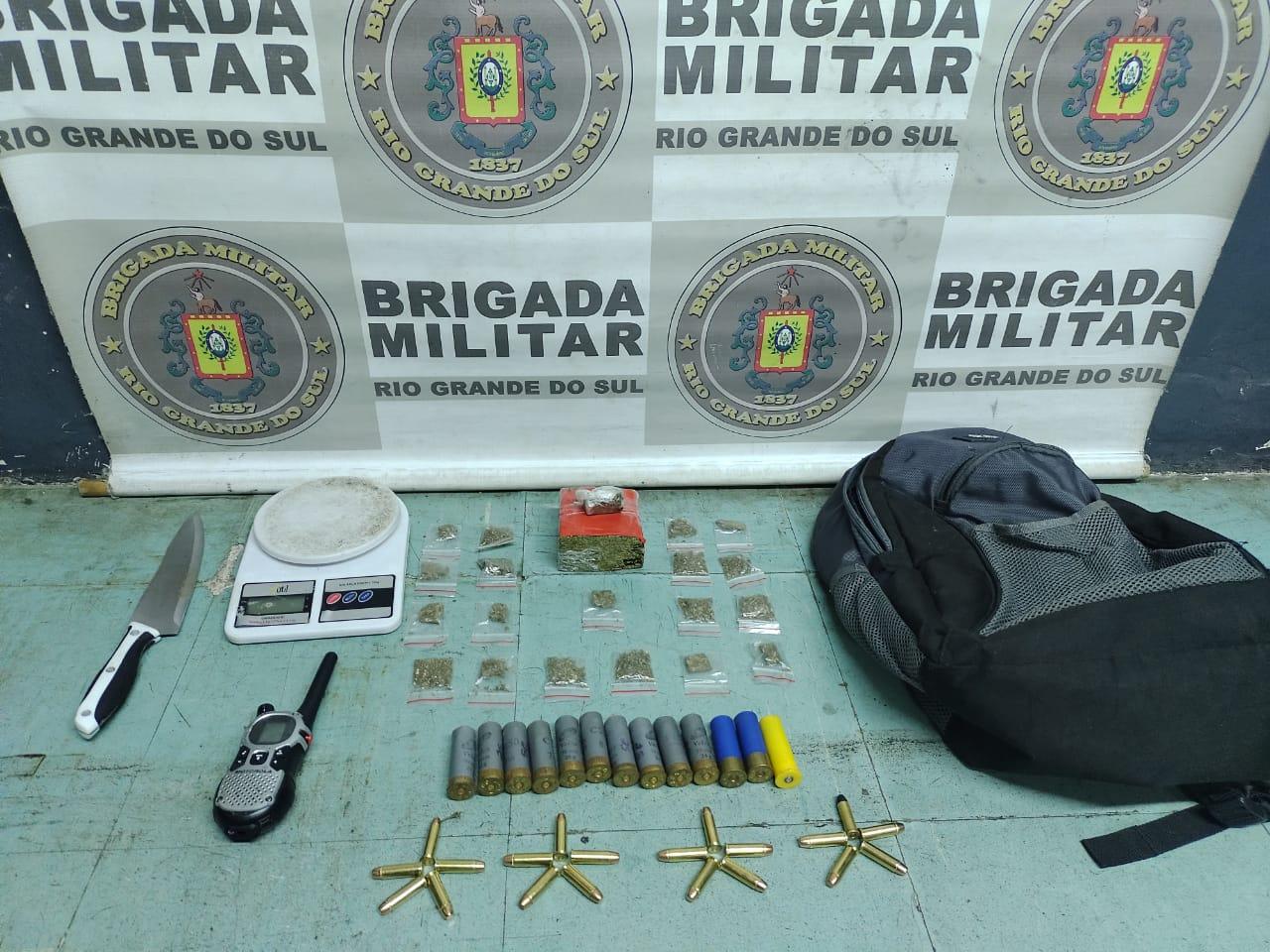 1ºBPChoque da BM apreende menor com drogas e munições em Bento