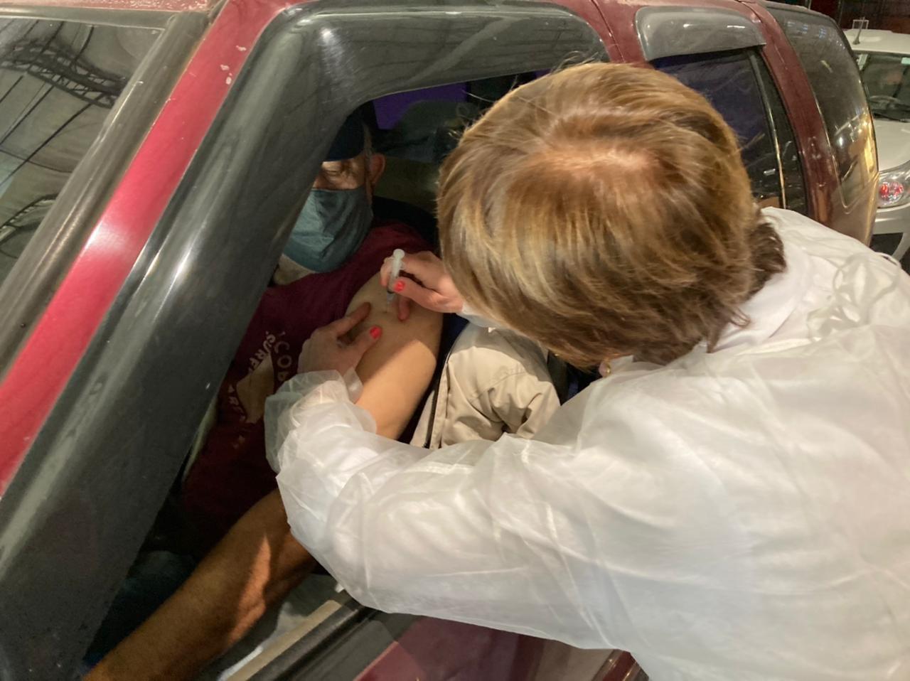 Segunda dose da CoronaVac para as pessoas vacinadas no dia 27 será na quarta