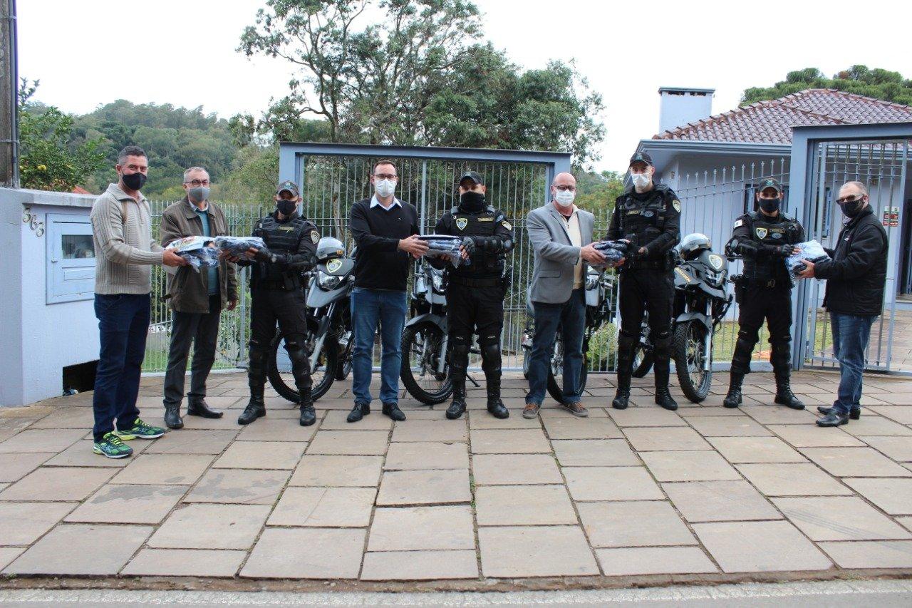 Agentes da Guarda Municipal que atuarão em Tuiuty recebem novos fardamentos