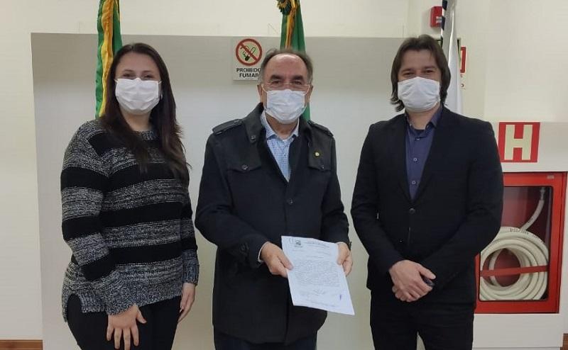 Ivelton e Lenita visitam Deputado Federal Paulo Caleffi
