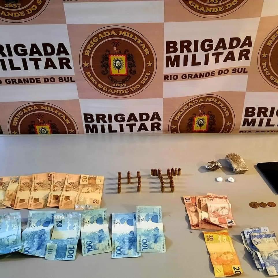 CRBM prende homem por tráfico de drogas na ERS-115 em Gramado