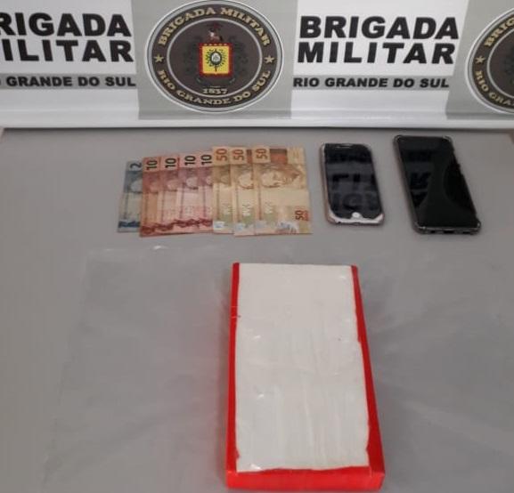 Dupla é presa por tráfico de drogas na BR-470 em Veranópolis