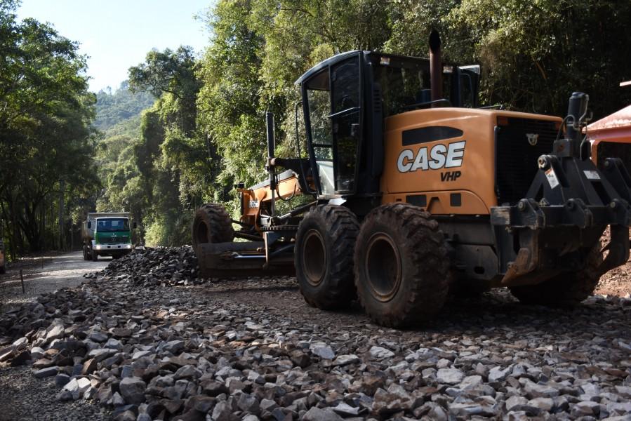 """Mais um trecho da Rota Turística """"Águas e Vales"""" será pavimentado em Cotiporã"""