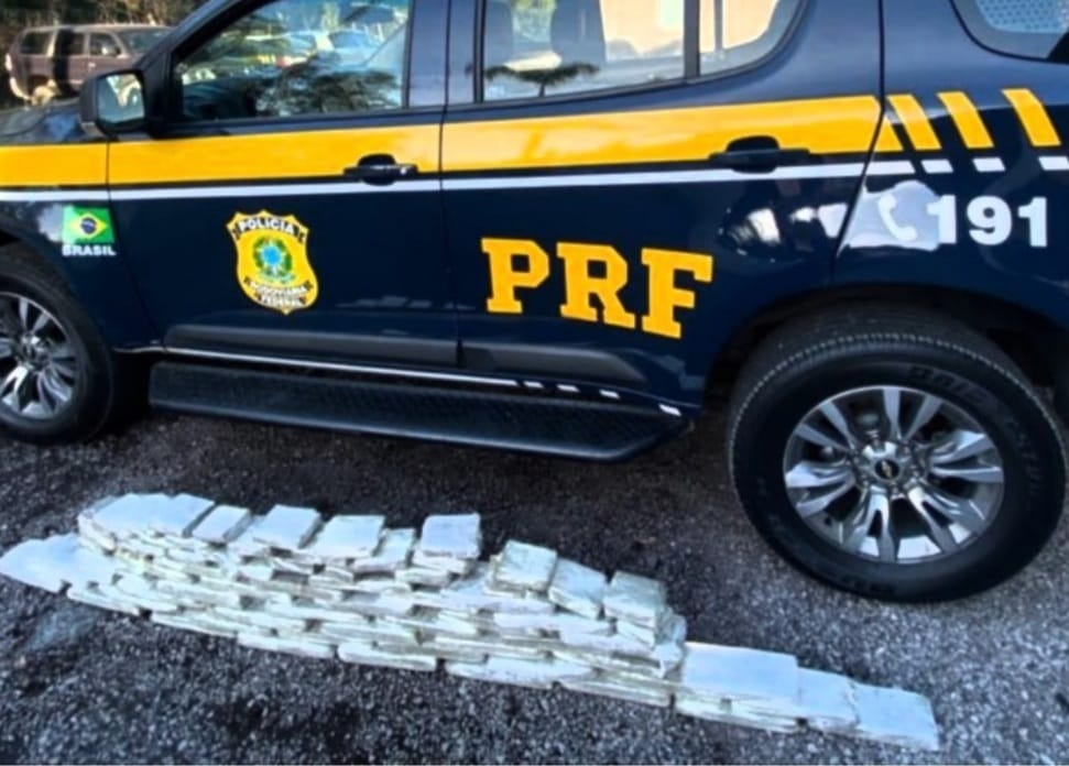 PRF prende casal traficante com 37 quilos de maconha na BR-470 em Bento