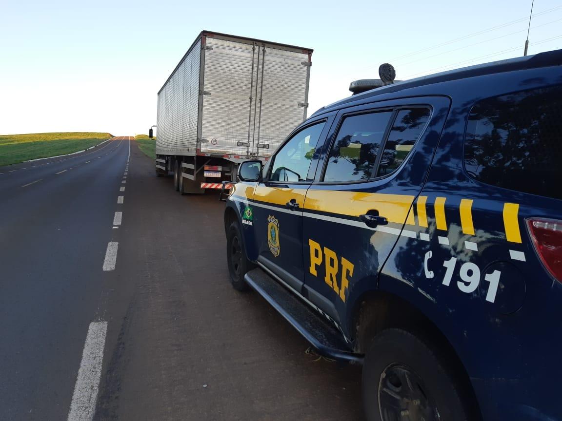 PRF prende motorista dirigindo embriagado em Muitos Capões