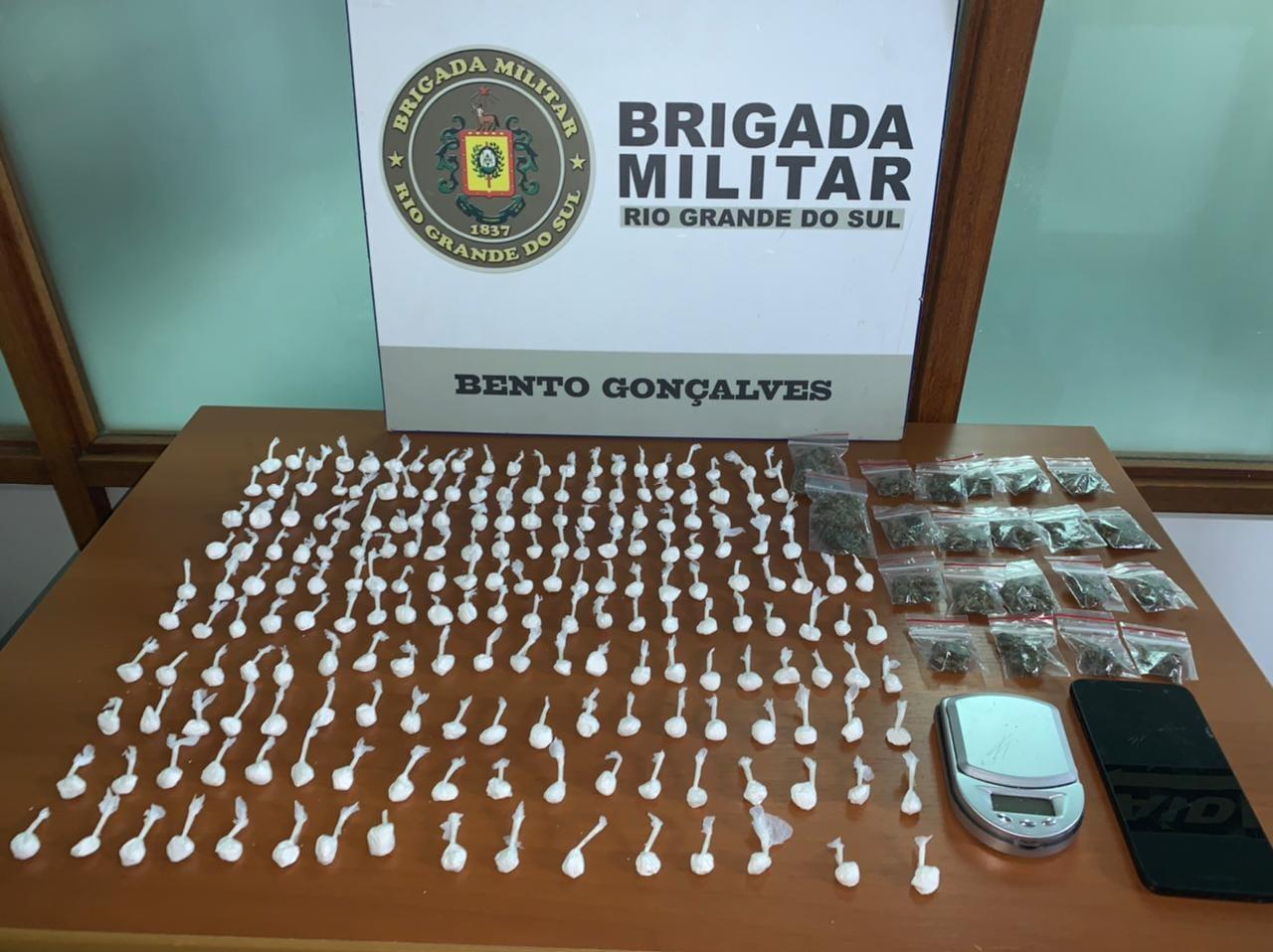 Brigada Militar prende homem por tráfico de drogas no Pomarosa em Bento