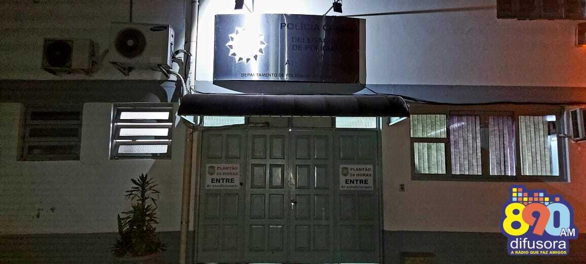 Indivíduo é preso após roubo a estabelecimento comercial no bairro Cidade Alta, em Bento