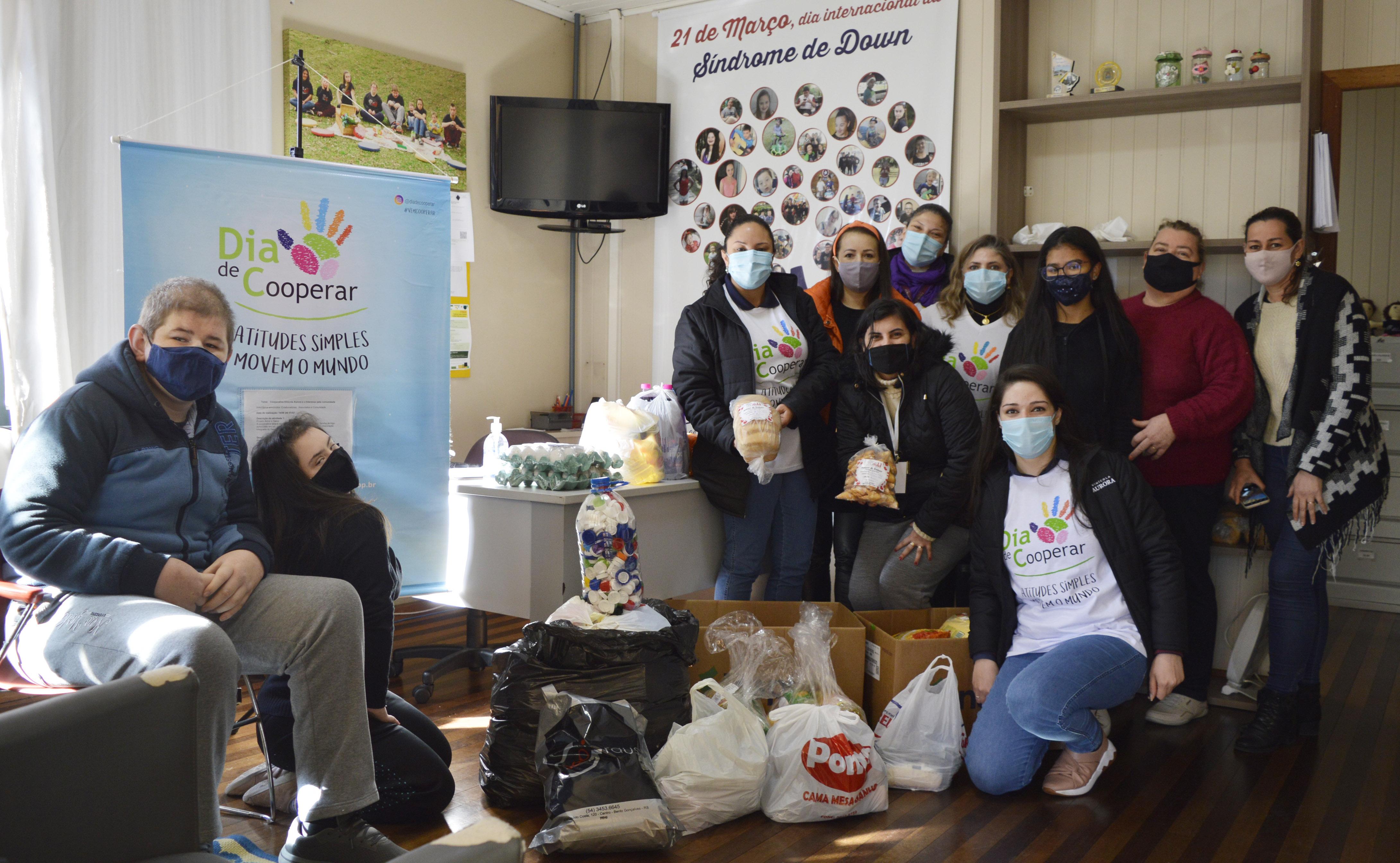 Parceiros Voluntários faz intermédio de doações para a AIDD Bento Gonçalves