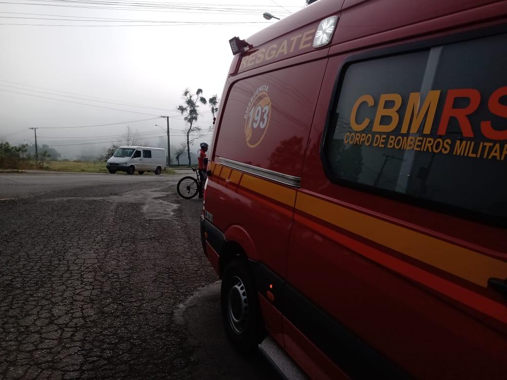 Bombeiros socorrem ciclista que sofreu queda no Barracão, em Bento