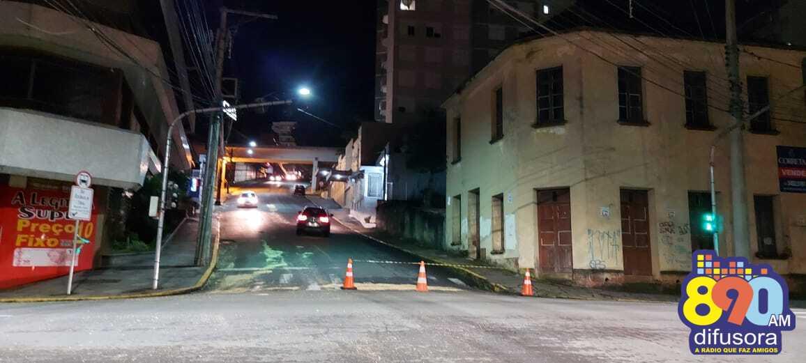 Ruas são bloqueadas após vazamento de óleo em Bento