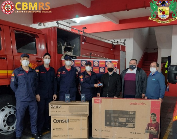 Bombeiros de Veranópolis recebem equipamentos do Consepro