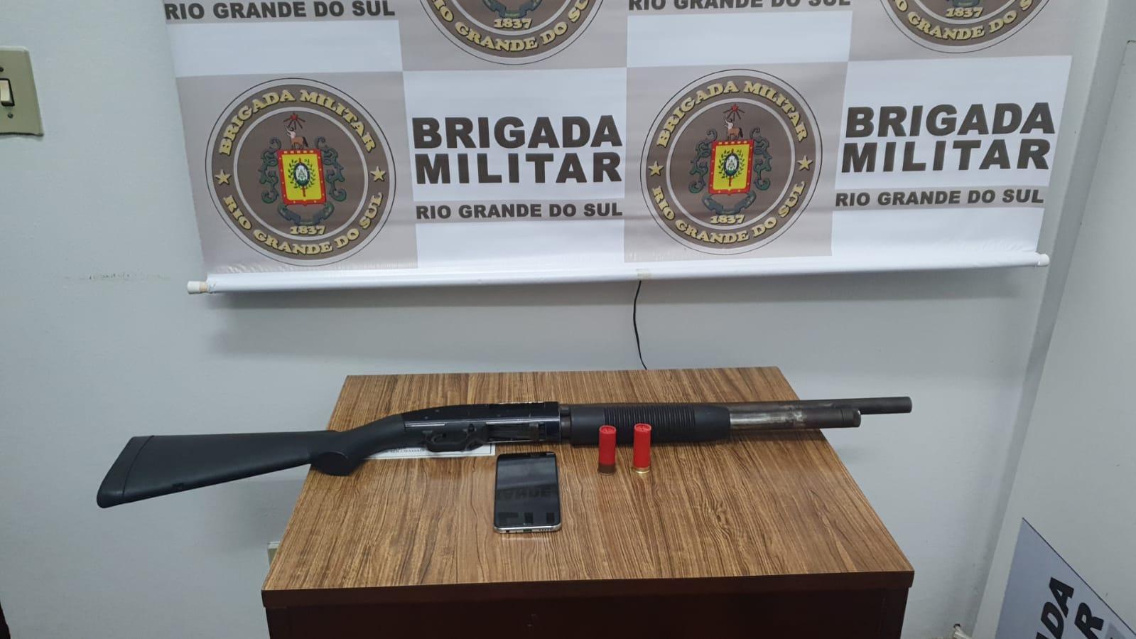 Brigada Militar apreende adolescente por porte ilegal de arma em Farroupilha