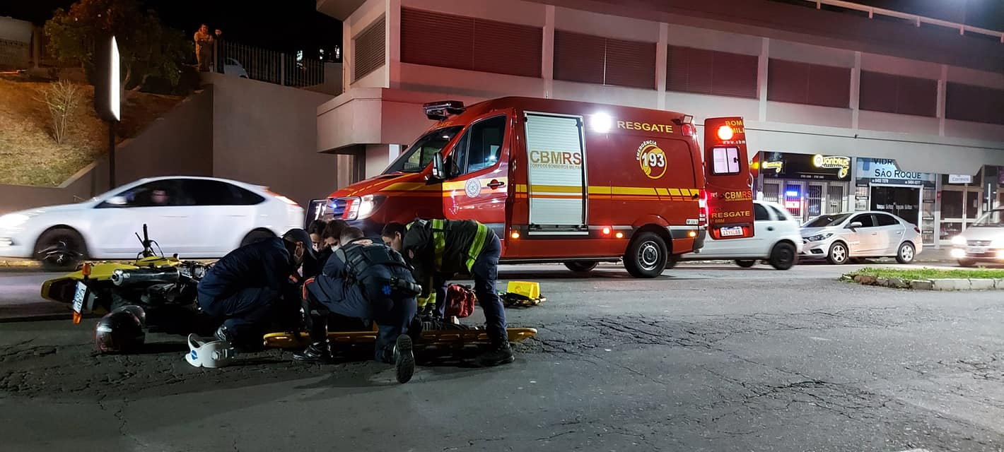 Casal sofre fraturas após acidente de trânsito no São Roque em Bento